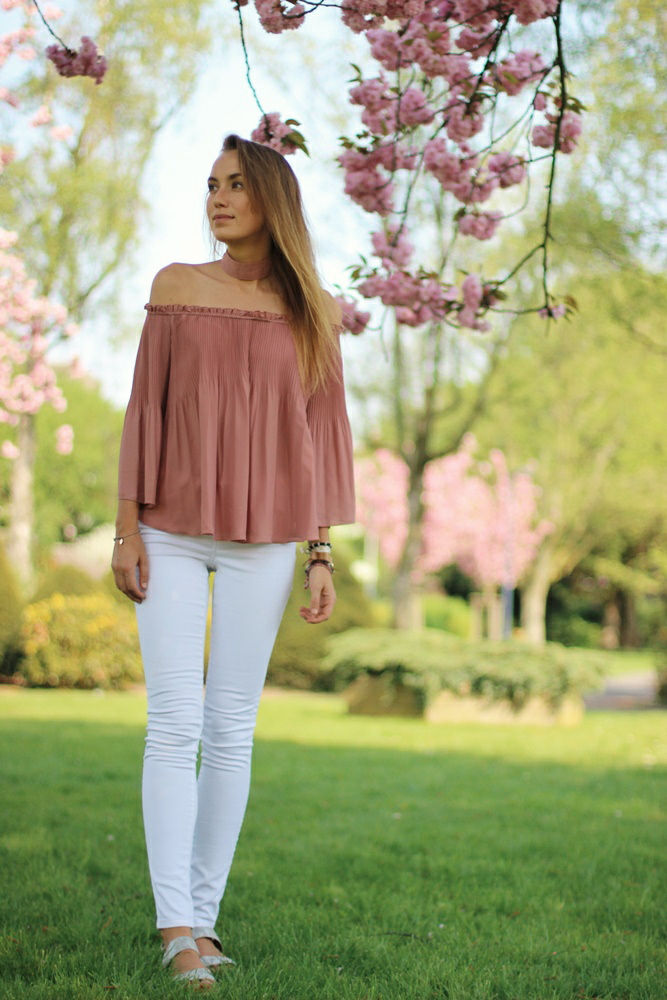 willascherrybomb-off-shoulder-blouse-outfit-spring
