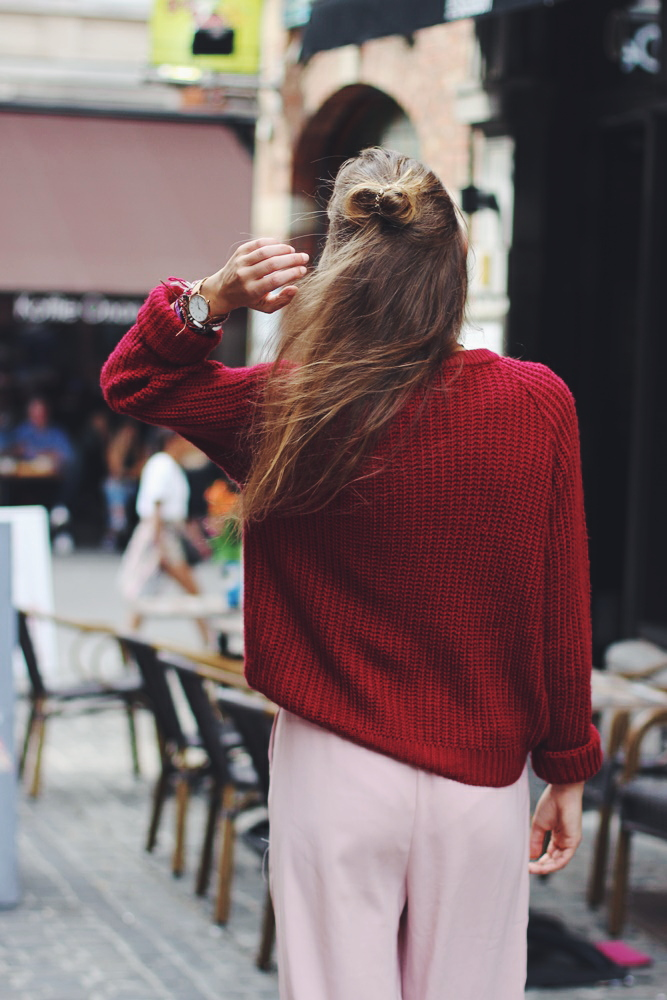 willascherrybomb-midi-pants-travel-sweater-leuven-belgium-outfit-ootd