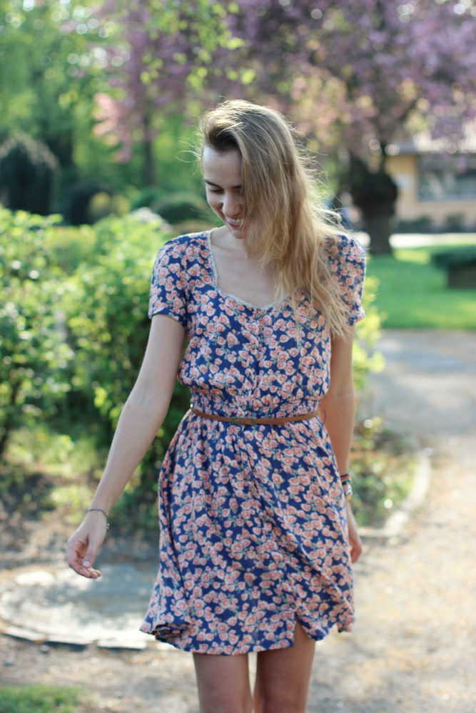 Flower Dress in Summer Second Hand
