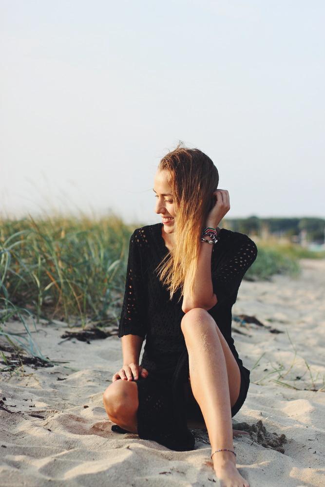 willascherrybomb how to style strickkleid schwarz maxikleid outfit idee inspiration femmeluxe