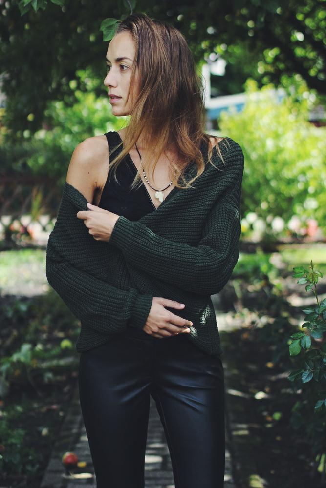 portrait willascherrybomb How to Style - Kunstlederhose im Herbst