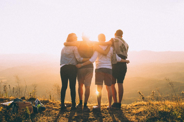 Solo Travel: Die 5 besten Tipps, um Leute auf Reisen kennenzulernen! - willascherrybomb - yvonne karnath