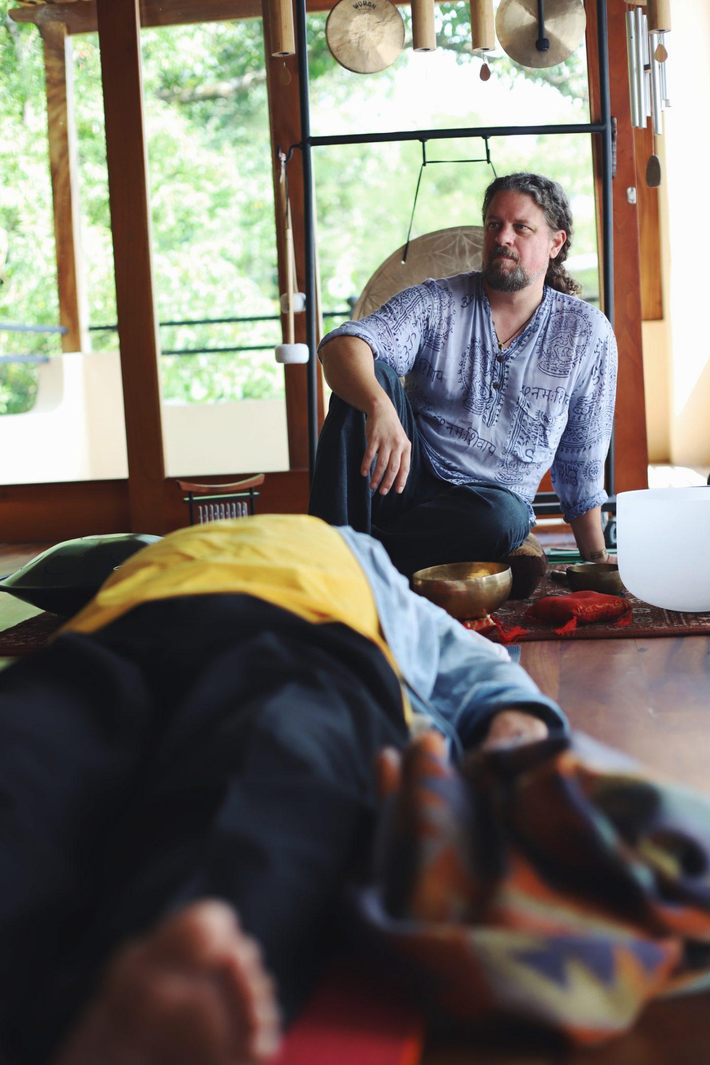 Alle wichtigen Informationen, die du vor einer Sound Healing Zeremonie beachten solltest! - willascherrybomb - yvonne karnath
